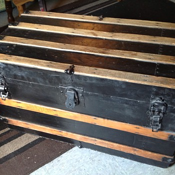 Cool trunk - Furniture