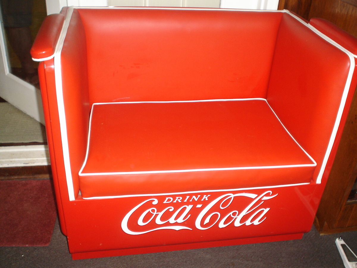 Coca cola couch 28 images coca cola craftsman built for Coole couch