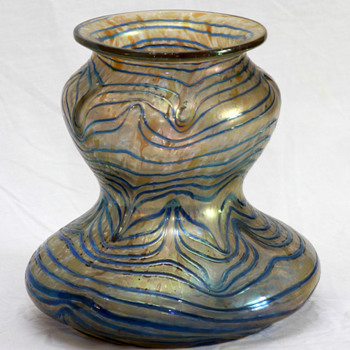 Kralik Blue on Gold - Art Glass