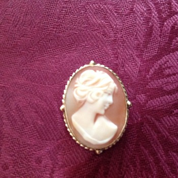 Cameo brooch or necklace  - Fine Jewelry