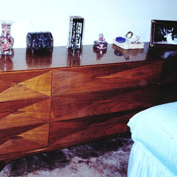 Danish Modern Mid Century Solid Black Walnut 4-pc. Bedroom Set Needs Identifying and Valuing