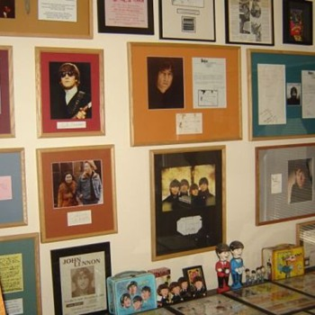 Beatles autographs and handwritten items...
