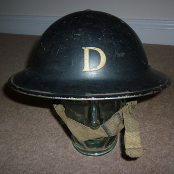 British Doctors WW11 helmet - Military and Wartime