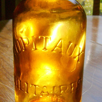 HOPITAUX MILITARES FRENCH MEDICINE BOTTLE, WWI - Bottles
