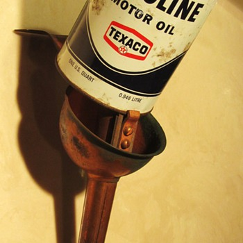 Scovill Mfg. Co Oil Pouring Spout with Havoline Texaco Oil Can - Petroliana