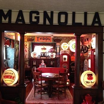 Magnolia Porcelain Letters...1920's - Petroliana