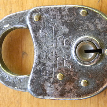 Erie Railroad Utility Lock - Railroadiana