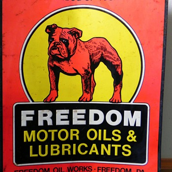 Information on a Freedom Motor Oil & Lubricants sign