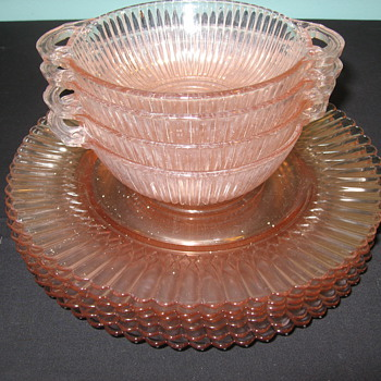 PINK DEPRESSION GLASS PATTERN - Glassware