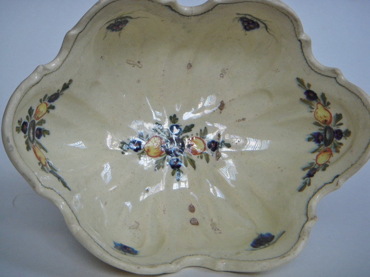 Pottery Mark Old Decorated Pedestal Bowl Made In Italy
