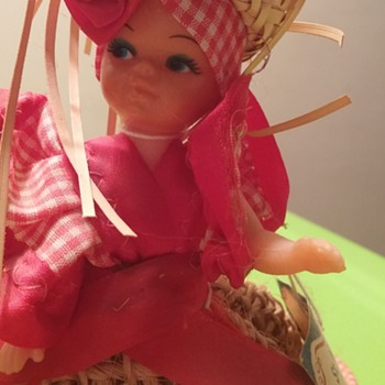 St. MAARTEN Dutch West Indies Souvenir Centerpiece Doll