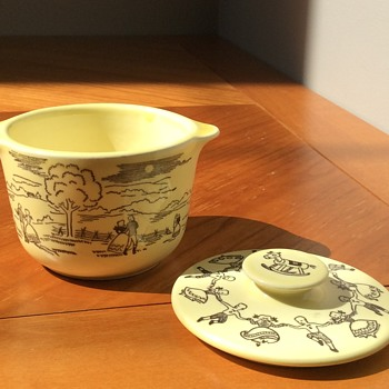 Small yellow dish with lid