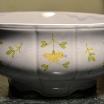 Handpainted bowl from France - Limoges? - Art Pottery