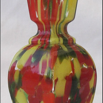 HEXAGONAL AVENTURINE VASE  - Art Glass