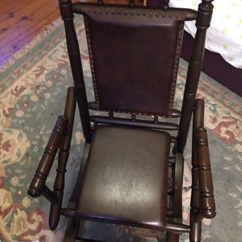 Rocking chair help to identify - Furniture