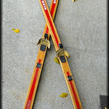 Old ??  Wooden Skis - Made in Norway