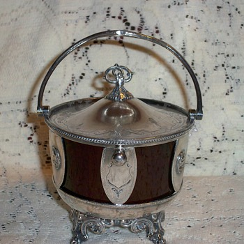 Victorian sugar bowl or sweet meat bowl - Sterling Silver
