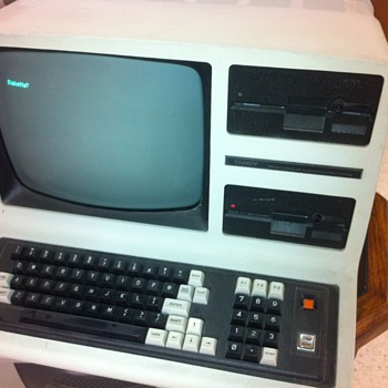 radio shack tandy trs 80 antique computer - Office