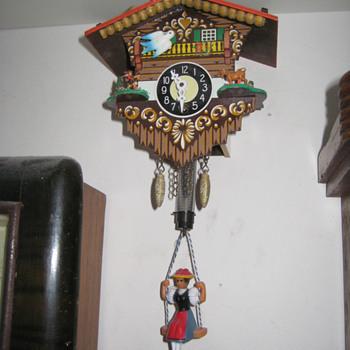 Vintage 1970's Austrian pendulette. - Clocks