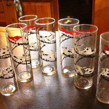 Vintage bar glasses ~ Fox & hounds?