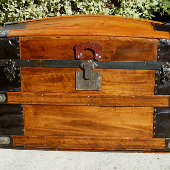 Carpeles, Heiser Trunk Co. Trunk - Furniture