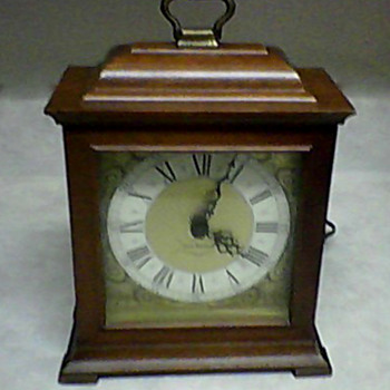 SETH THOMAS EXETER - E  CHIME SHELF CLOCK