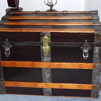 Refurbished Canvas Trunk - Furniture