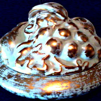 "Stangl Art Pottery/22 kt Antique Gold 7"" Centerpiece Covered Dish /Fruit Basket Design/ Circa 1950's - Art Pottery"