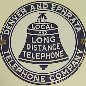 Denver and Ephrata Telephone Comany Hubcap