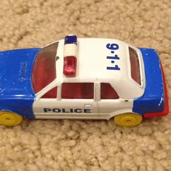 Old looking police car.