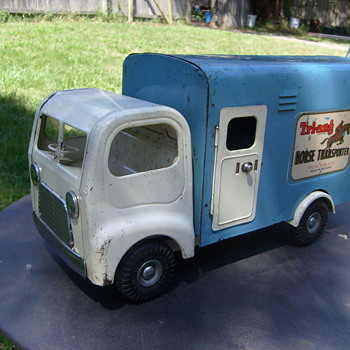 TRIANG HORSE TRANSPORTER LORRY. - Model Cars