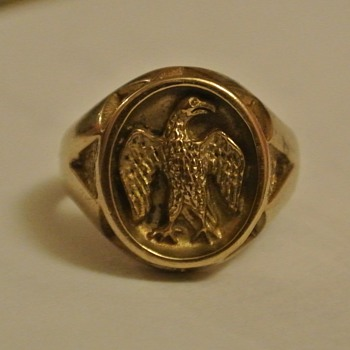 World War II Solid Gold Eagle Cast Cameo/Intaglio Ring? - Military and Wartime