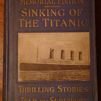 "Memorial Editions ""Sinking Of The Titanic"" English and Swedish Versions - Books"
