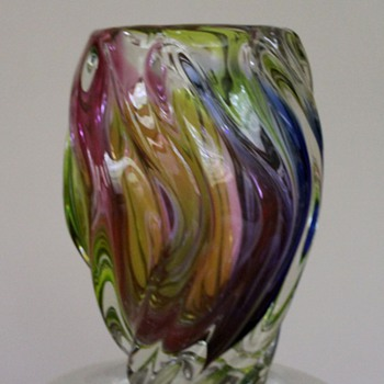 ART GLASS Japan Rainbow Vase