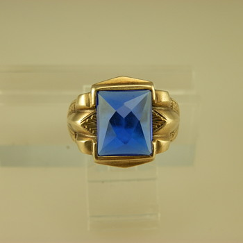14k Yellow Gold and Blue Spinel Ring