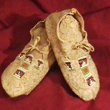 Plaines Indians Bead Decorated Infant Moccasins