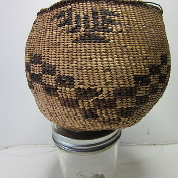 Local Lake Tahoe Washoe Indians Basket - Native American