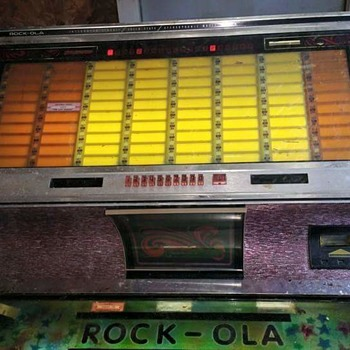 Rock-Ola 450 Jukebox - Coin Operated