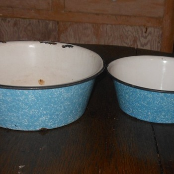 Small Graniteware Blue and White Swirl Bowl