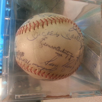 Help please identify signatures  - Baseball