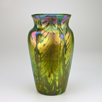 Loetz Phänomen/Phenomen Genre Art Glass Vase, circa 1902-05 similar to P.G. 2/450