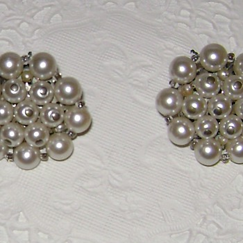 Vintage Earrings - Costume Jewelry