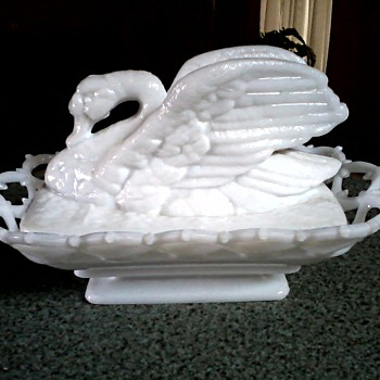 Beautiful Westmoreland Milk Glass Lace Edge Basket Dish with Swan Cover / Circa 1940