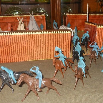 Marx Playset Cavalry Figures