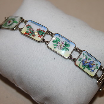 Flower Bracelet - Costume Jewelry