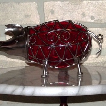 RED BLOWN GLASS & WIRE PIGGY