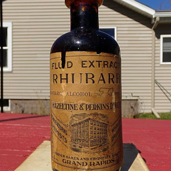 Rhubarb Extract and Alcohol Medicine, Mostly Full