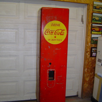 Early Coke Machines? - Coca-Cola