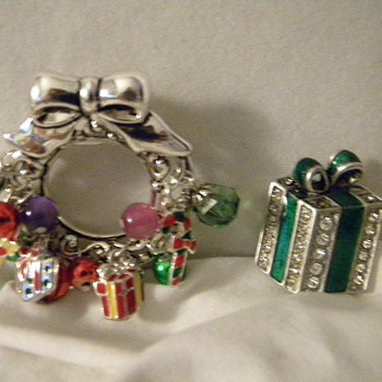 Vintage Christmas Brooches - Costume Jewelry