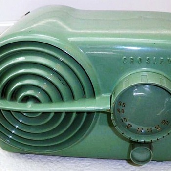 1951 Crosley Model 11-117U &quot;Bullseye&quot; Radio - Radios